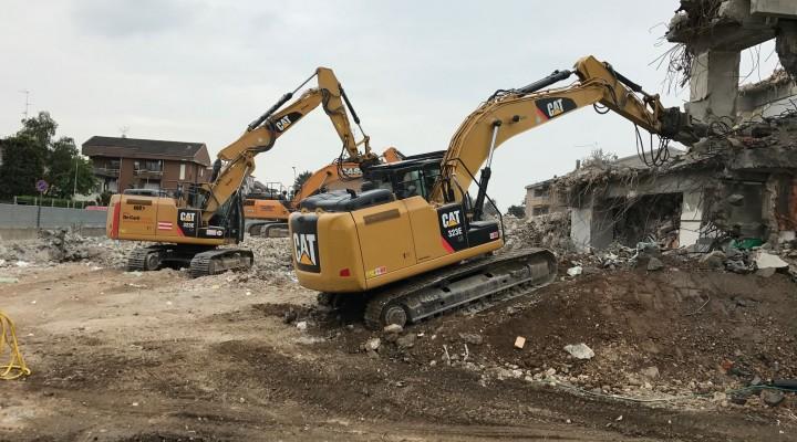 Demolizione edificio residenziale  a Rho